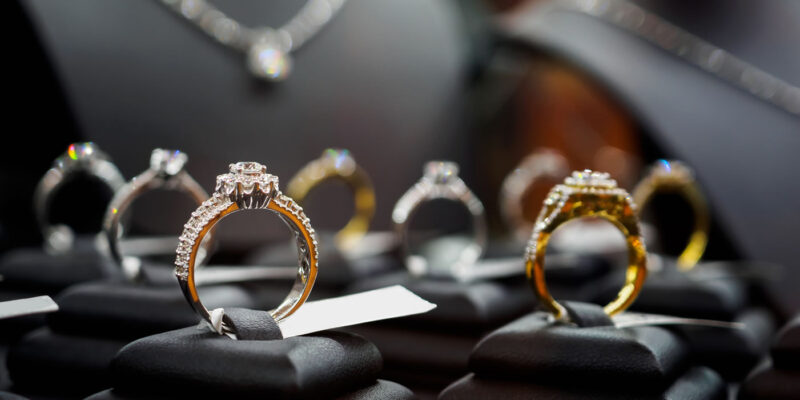 Techniki sprzedaży biżuterii diamentowej